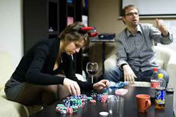 10 Reasons People Love Playing Poker